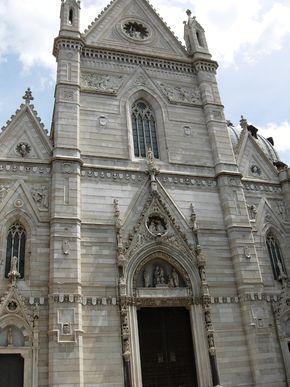 Duomo di Napoli (facciata).jpg