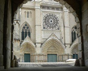 Poitiers Cathédrale Saint Pierre.jpg